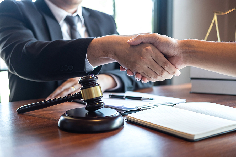 Client handshaking with the best divorce lawyer in Sydney